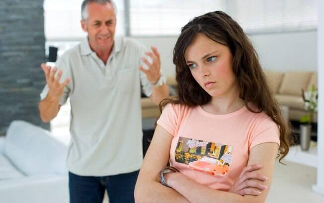 Resultado de imagem para conversando com filhas adolescentes