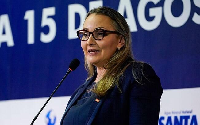 Daniela Reinehr, durante coletiva de imprensa na última terça (27), evitou responder se concorda com ideais neonazistas.