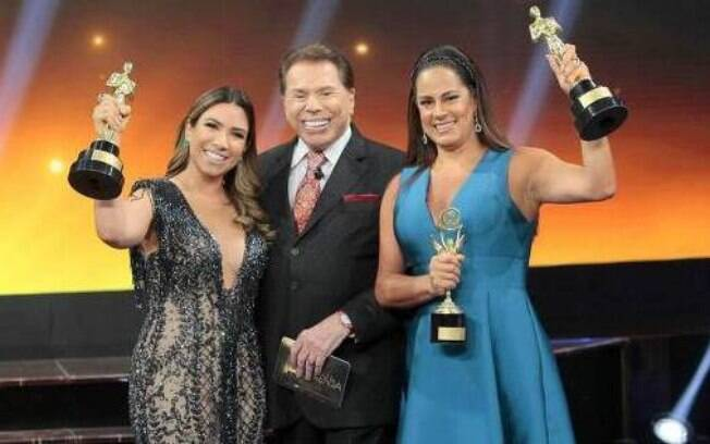 Silvio Santos com as filhas na entrega do Troféu Imprensa: apresentador comentou