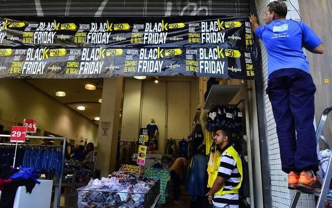 Cerca de 30% dos consumidores vão usar a Black Friday para antecipar os presentes de Natal; outros 12% planejam aproveitar as ofertas mesmo sem ter necessidade de comprar algo no momento