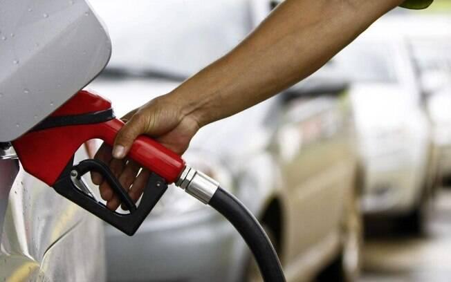 Além das mudanças na composição da gasolina vendida no Brasil, o combustível também ficou mais caro no País nos últimos