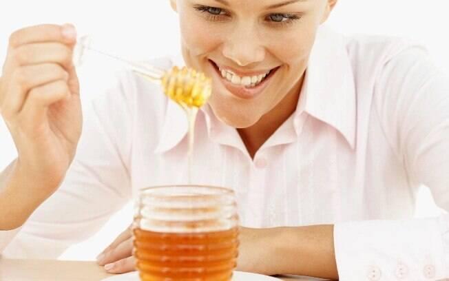 Diabético pode consumir mel e caldo de cana sem problemas - é um mito também. Esses alimentos são ricos em açúcar e podem atrapalhar o controle da glicemia. Foto: Thinkstock Photos