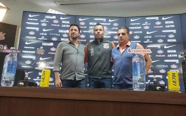 Jair Ventura é apresentado no Corinthians