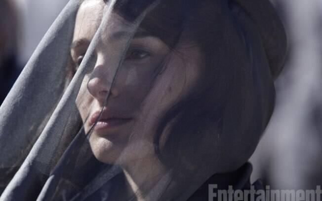 Natalie Portman faz o papel de Jacqueline Kennedy, protagonista do filme