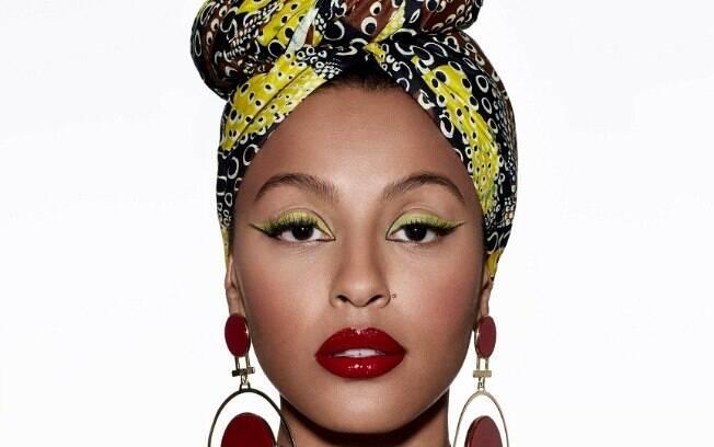 Poder afro: a atriz Sheron Menezzes estrela – de turbante – uma edição especial da revista Glamour