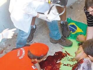 Atendimento. Estudante que caiu de um viaduto recebeu primeiros socorros de um Posto Médico Avançado (PMA)