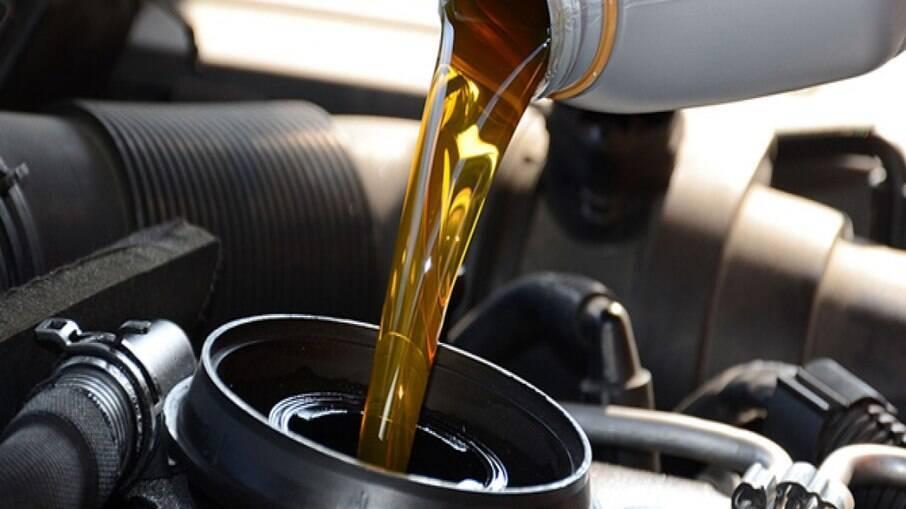 Saber o momento exato da troca de óleo não tem segredo. Basta seguir a indicação do manual e medir o nível  correto