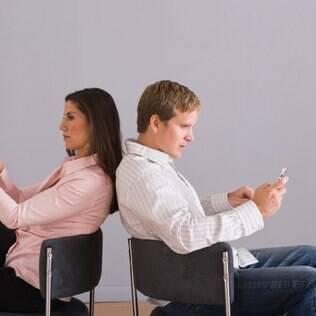 Sentimento terceirizado: críticos acham que discutir a relação exige estar frente a frente