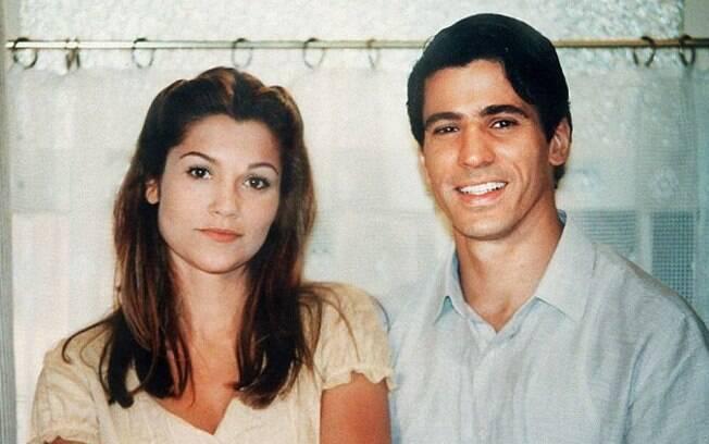 Lívia (Flávia Alessandra), a irmã invejosa, e Juliano (Leonardo Brício) em