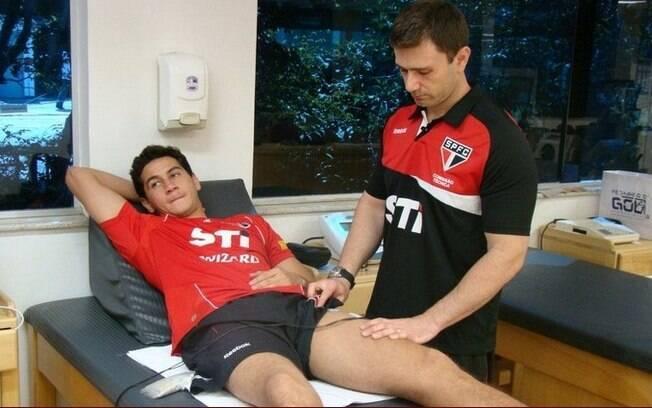Ganso fez fisioterapia nesta terça, no  Reffis
