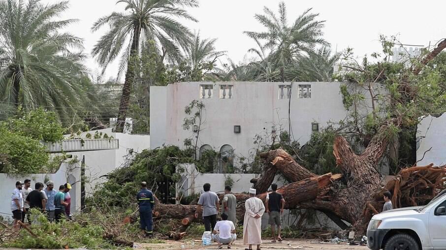 Ciclone tropical 'Shaheen' causa mortes após passagem em Irã e Omã