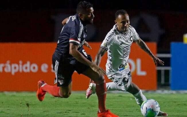 Botafogo e São Paulo se enfrentam pelo Brasileirão