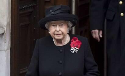 Rainha Elizabeth II completa 95 anos em momento conturbado
