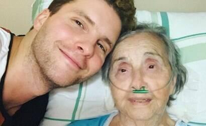 """Thiago Fragoso lamenta morte da avó, de 97 anos: """"Saudade"""""""