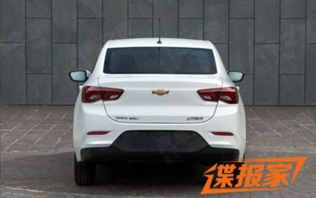 Traseira do novo Chevrolet Prisma segue o estilo do Malibu, sedã de luxo vendido nos Estados Unidos
