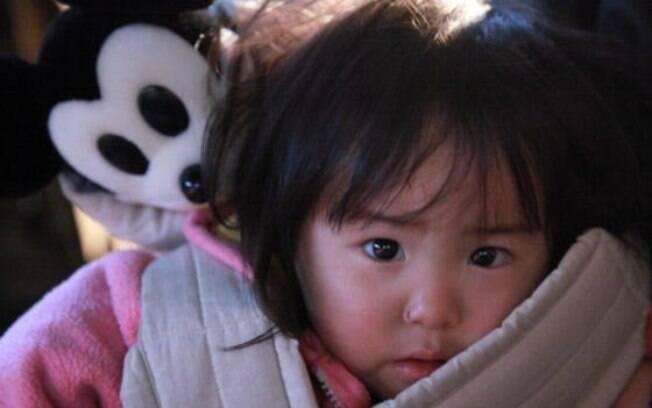 Criança salva e levada para abrigo provisório