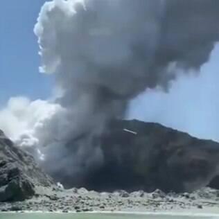 Vulcão em erupção na Nova Zelândia