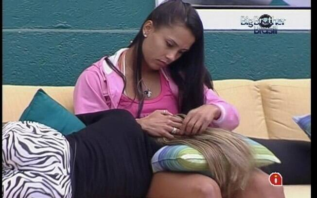 Mama afirma que torce por final entre Kelly e Fael