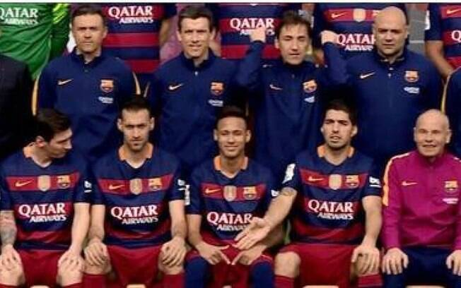Suarez repreende Neymar em foto do Barcelona