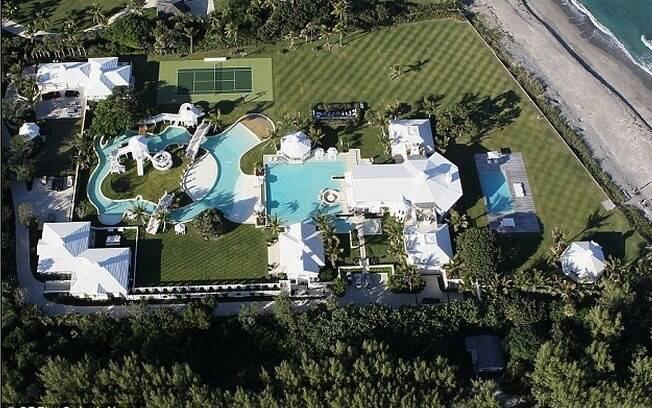 A mansão de Celine Dion tem 10 mil metros quadrados de terreno...