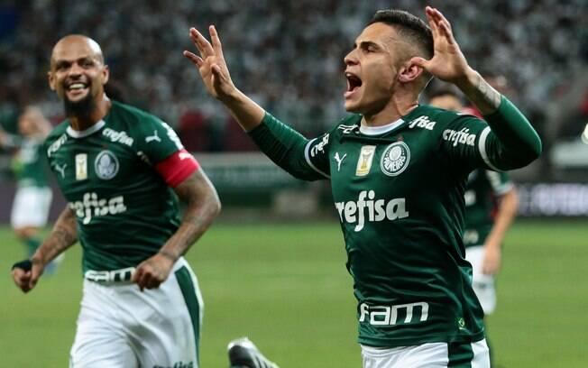 Raphael Veiga fez o gol da vitória do Palmeiras sobre o Athletico