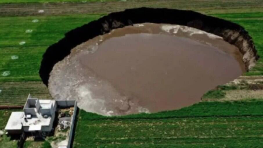 Especialistas temem que o buraco continue se abrindo