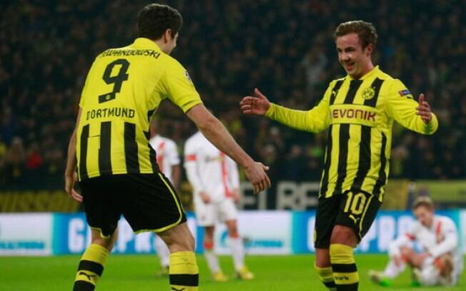 Lewandowski e Götze comemoram gol