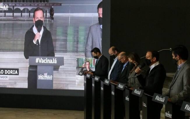 AO VIVO: Governo de SP anuncia novidades sobre a vacinação