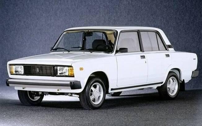 Ícone do comunismo, o soviético Lada Laika virou sinônimo de carro-problema com a saída da marca do Brasil.