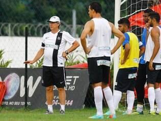 Oswaldo de Oliveira segue confiando na importância de ter Leandro Damião entre os titulares