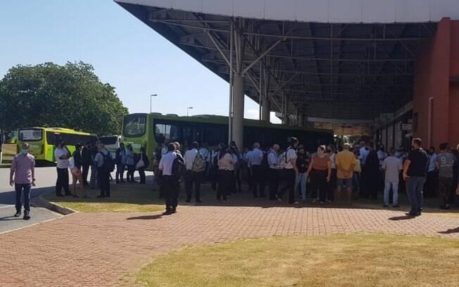 Em protesto, motoristas de ônibus de Paulínia paralisam serviço