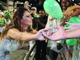 Estrela. Viviane Araújo foi ovacionada pelo público no último ensaio da Mancha Verde, no Anhembi