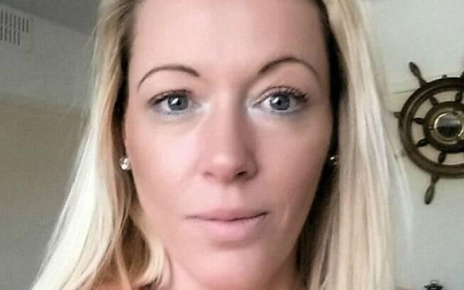 A britânica Sherrie Duggan sofre de mal pouco investigado pela medicina