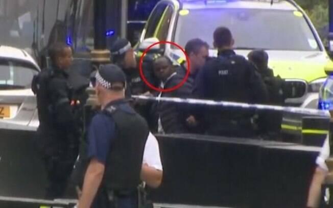 Autor do atentado terrorista, cuja a identidade não foi relevada, seria um jovem cuja foto está circulando na web