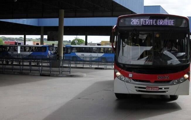 Terminais terão ônibus reservas neste final de semana, Corujão já voltou a operar
