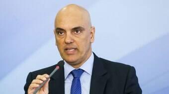 Moraes libera acesso da PF a dados do Facebook de aliados de Bolsonaro