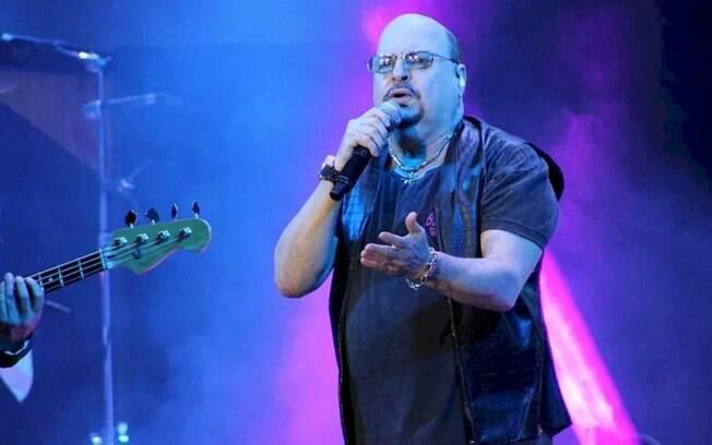 Paulinho, vocalista do Roupa Nova, morre aos 68 anos, vtima do coronavrus