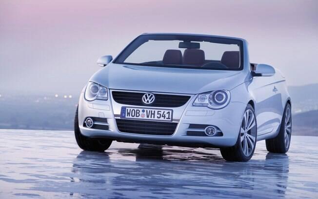Volkswagen Eos foi vendido por pouco tempo no Brasil, onde os conversíveis se tornaram proibitivos