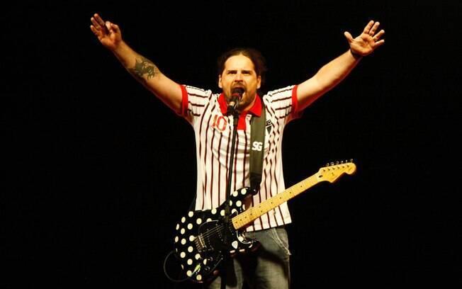 Andreas Kisser, guitarrista do Sepultura, é  apaixonado pelo São Paulo