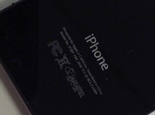 Selo da Anatel no iPhone 4S: aparelhos homologados devem ganhar com bloqueio dos piratas