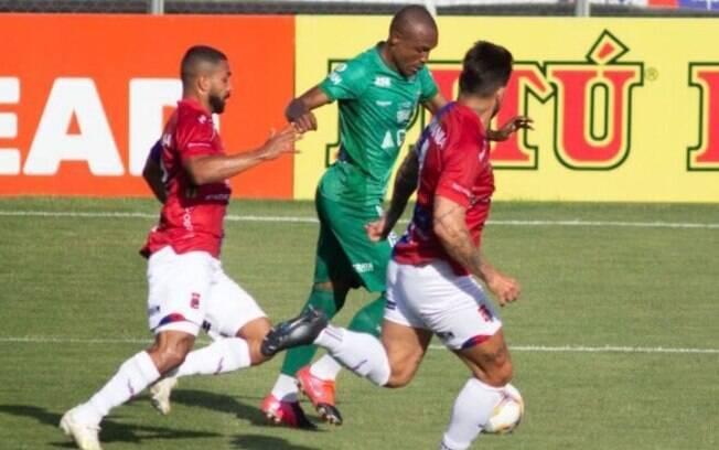 Guarani faz gol aos 49 e vence o Paraná em Curitiba