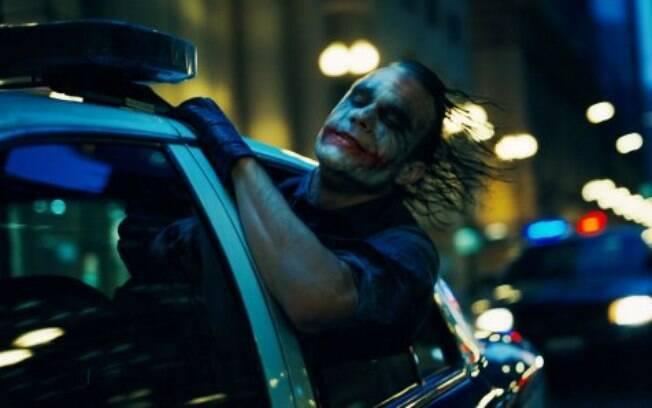 Heath Ledger em Batman - O Cavaleiro das Trevas: uma das cenas mais icônicas de um filme cheio delas