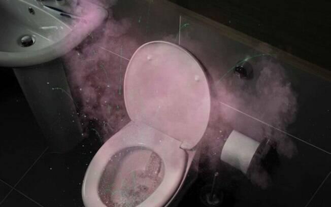 Deixar a tampa aberta permite que gotículas potencialmente prejudiciais se espalhem pelo banheiro