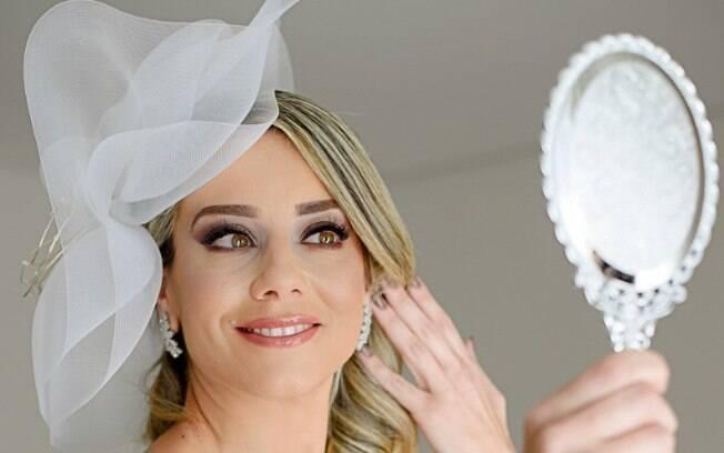 Jussara Couto se casou com ela mesma dia 26 de maio, e desde então o assunto repercutiu na internet