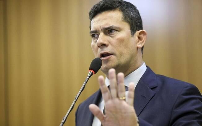 Sérgio Moro conversou com o presidente do Senado, Davi Alcolumbre, sobre o projeto anticrime