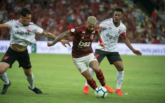 Flamengo e Athletico-PR farão duelo rubro-negro na Supercopa do Brasil