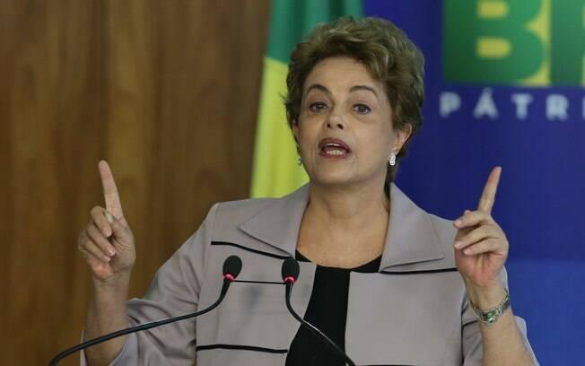 Presidente Dilma Rousseff deve decidir nos próximos dias sobre o futuro dos ministros do PMDB