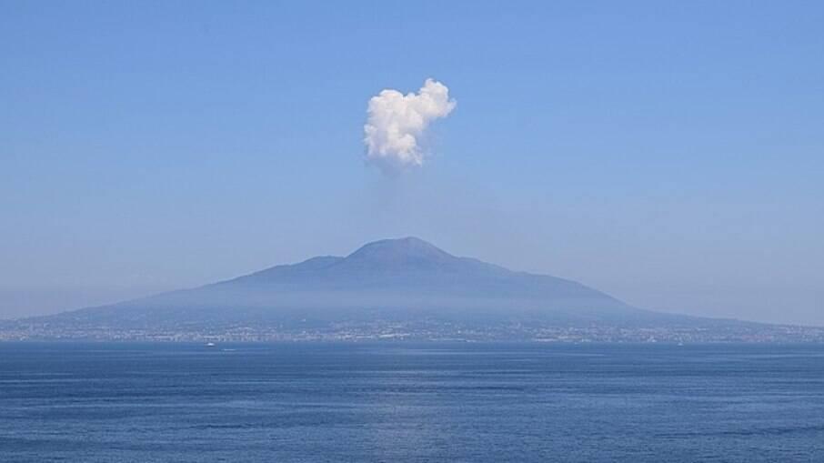 Vesúvio, na Pompeia, o vulcão está apenas adormecido e atrai centenas de turistas