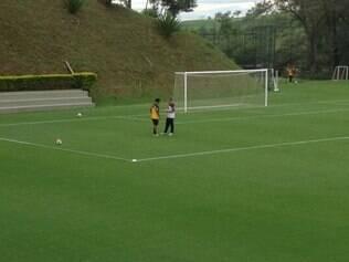 Ronaldinho treinou normalmente nesta quinta-feira