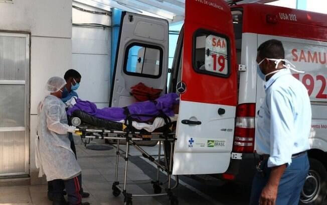 Covid: com variante de Manaus dominante, 20% de jovens internados morreram no Brasil em 2021